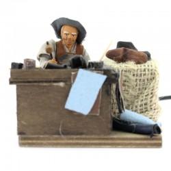 Moving Cobbler in dressed terracotta 10 cm