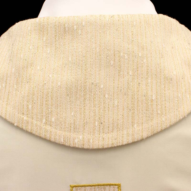 Chasuble in wool with laminated fabric embroidery