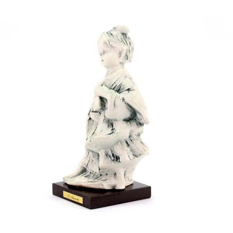 Chierichetto con libro in ceramica bianca 14 cm for Libro in ceramica