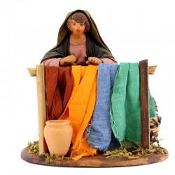 Donna che stende panni terracotta vestita 12 cm
