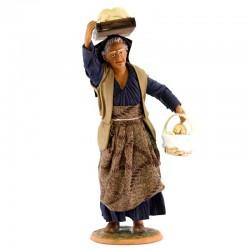 Donna con tavola di pani in terracotta vestita 30 cm