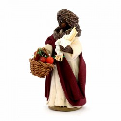 Gypsy with tomato basket and stump in terracotta with clothes 10 cm