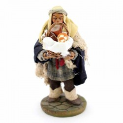 Uomo con cesto salumi terracotta vestita 10 cm