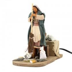 Donna scaccia topi in terracotta vestita a movimento 12 cm