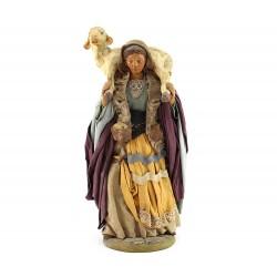 Donna con pecora sulle spalle in terracotta vestita 24 cm