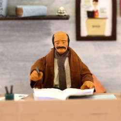 Moving Banker in terracotta with clothes 12 cm